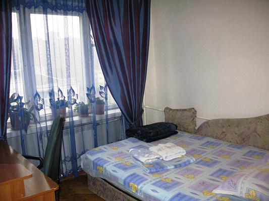 2-комнатная квартира посуточно в Киеве. Печерский район, ул. Большая Васильковская, 129. Фото 1