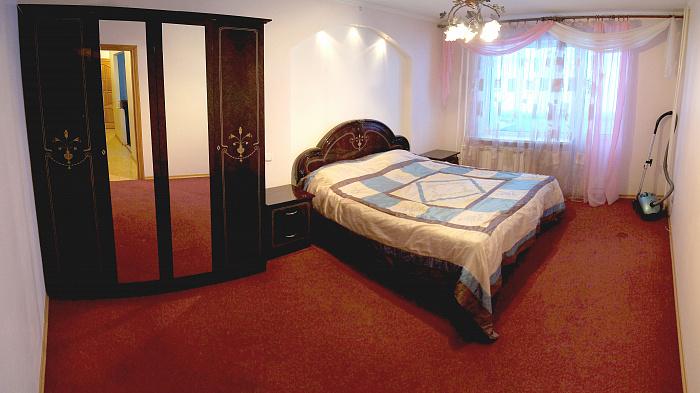 2-комнатная квартира посуточно в Сумах. Заречный район, ул. Героев Крут, 66. Фото 1