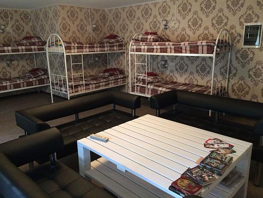 2-комнатная квартира посуточно в Северодонецке. пр. Советский, 70. Фото 1