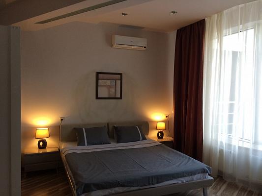 1-комнатная квартира посуточно в Днепропетровске. Бабушкинский район, ул. Глинки (Мост Сити), 2. Фото 1