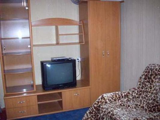 1-комнатная квартира посуточно в Киеве. Шевченковский район, ул. Лукьяновская, 9. Фото 1