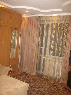 2-комнатная квартира посуточно в Мариуполе. улица Куприна, 65. Фото 1