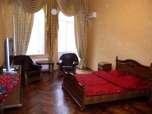 2-комнатная квартира посуточно в Одессе. Приморский район, Садовая, 7. Фото 1