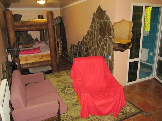 Комната  посуточно в Одессе. Киевский район, ул. Лунная, 18. Фото 1