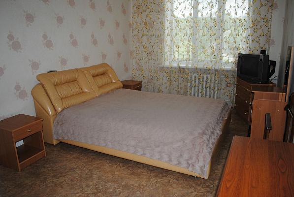 2-комнатная квартира посуточно в Керчи. ул. Пирогова, 27. Фото 1