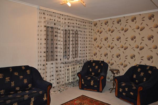 2-комнатная квартира посуточно в Киеве. Печерский район, ул. Большая Васильковская, 101. Фото 1