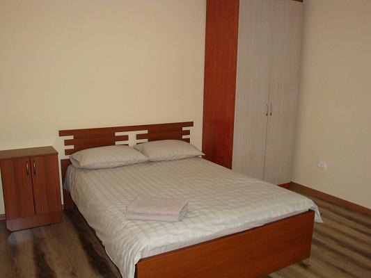 1-комнатная квартира посуточно в Тернополе. ул. Уласа Самчука, 3. Фото 1
