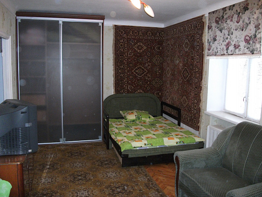 1-комнатная квартира посуточно в Киеве. Святошинский район, Салютная. Фото 1
