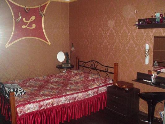 1-комнатная квартира посуточно в Запорожье. Коммунарский район, Новокузнецкая, 4. Фото 1