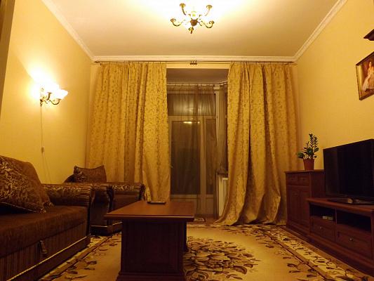2-комнатная квартира посуточно в Киеве. Печерский район, ул. Лютеранская, 4. Фото 1