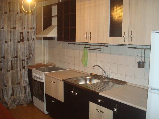 1-комнатная квартира посуточно в Киеве. Дарницкий район, Сортировочная, 4. Фото 1