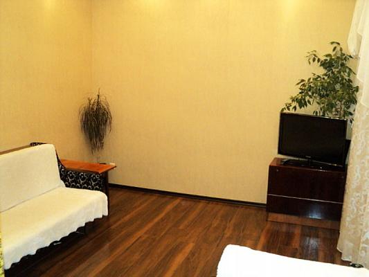 2-комнатная квартира посуточно в Одессе. Приморский район, пер. Вознесенский, 5. Фото 1