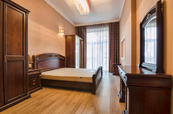 2-комнатная квартира посуточно в Львове. Галицкий район, ул. Саксаганского, 7. Фото 1