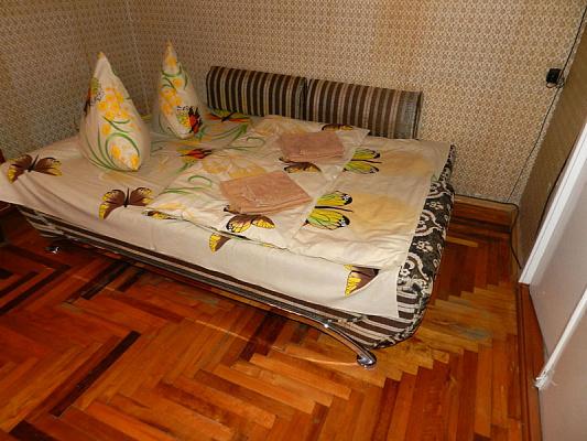 2-комнатная квартира посуточно в Запорожье. Ленинский район, ул. Академика Веснина, 1. Фото 1
