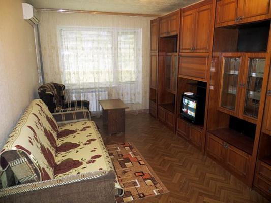2-комнатная квартира посуточно в Керчи. ул. Гайдара, 3. Фото 1