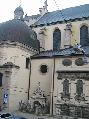 2-комнатная квартира посуточно в Львове. Галицкий район, Катедральная пл., 2. Фото 1