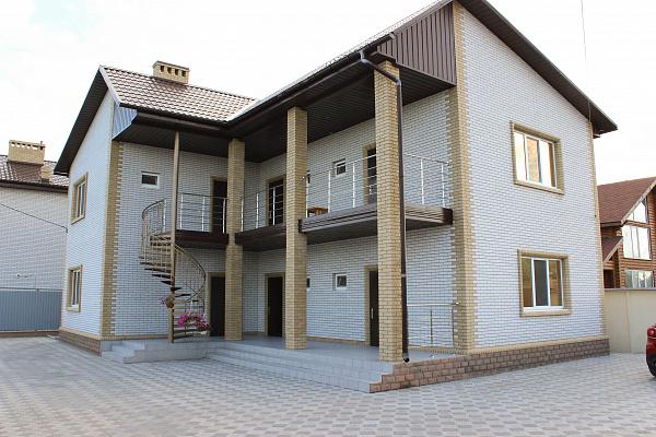 Дом  посуточно в Бердянске. Ивана Богуна, 7. Фото 1