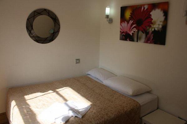 2-комнатная квартира посуточно в Евпатории. пр-т Ленина, 56. Фото 1