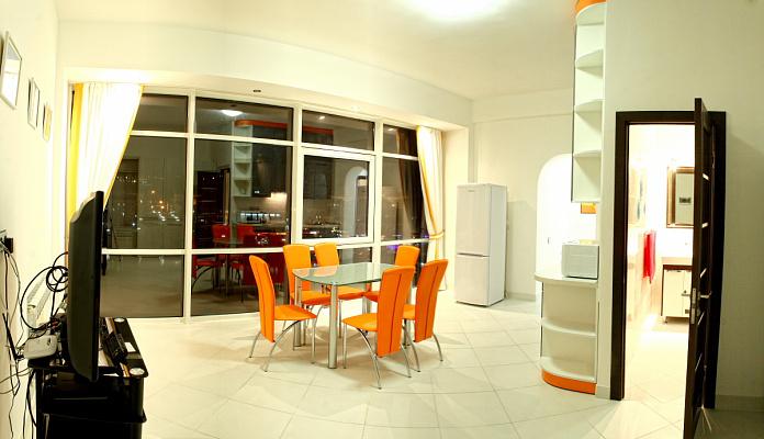 2-комнатная квартира посуточно в Севастополе. Нахимовский район, ул. Адм. Клокачева, 9. Фото 1