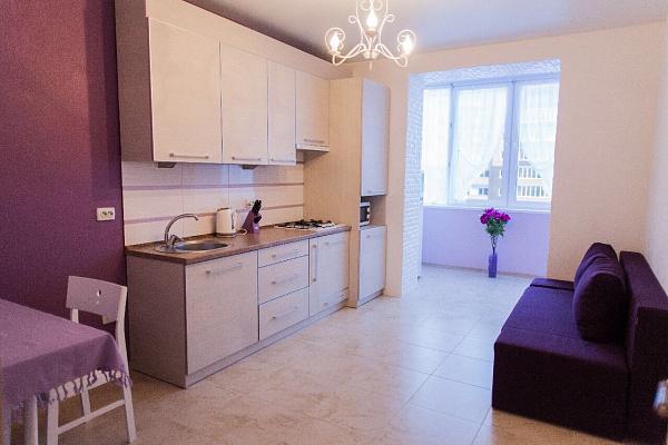 2-комнатная квартира посуточно в Хмельницком. ул. Заречанская, 11. Фото 1