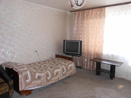 1-комнатная квартира посуточно в Чернигове. Новозаводской район, Щорса, 32. Фото 1