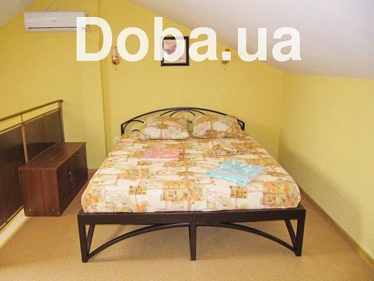 Мини-отель  посуточно в Феодосии. ул. Железнодорожная, 1. Фото 1