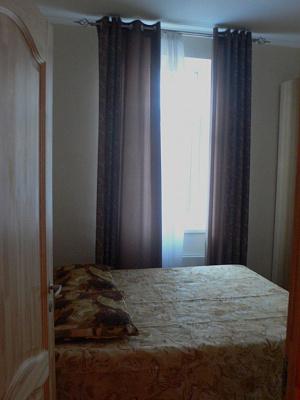 1-комнатная квартира посуточно в Днепропетровске. Амур-Нижнеднепровский район, Маршала Малиновского, 14. Фото 1