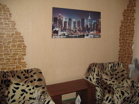 1-комнатная квартира посуточно в Херсоне. Суворовский район, пл. Свободы, 3. Фото 1