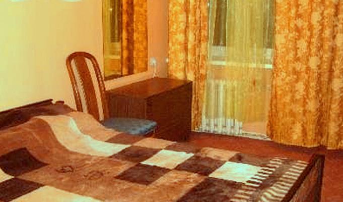 1-комнатная квартира посуточно в Луганске. Октябрьский  район, 30 квартал, 13. Фото 1