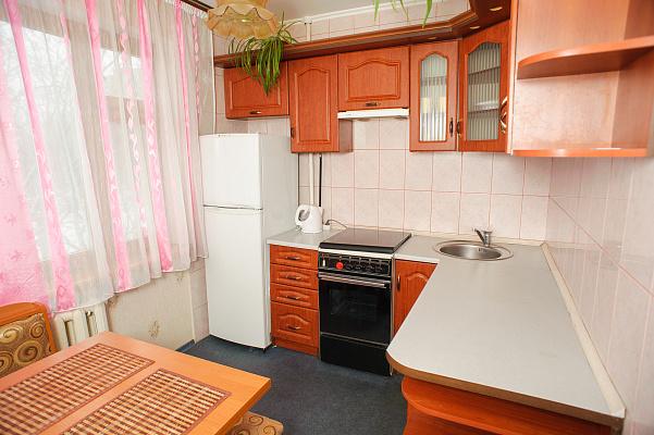 1-комнатная квартира посуточно в Черкассах. ул. Ярославская, 30. Фото 1