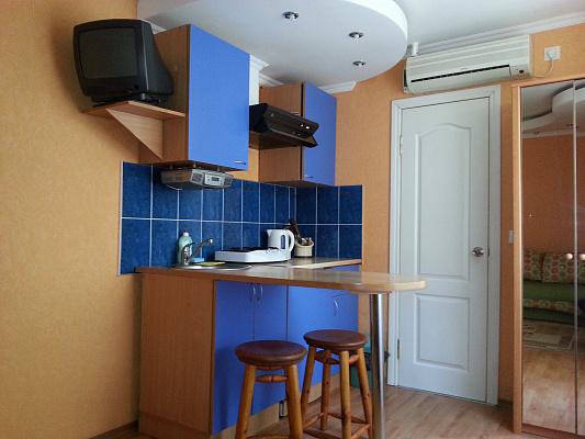 1-комнатная квартира посуточно в Судаке. ул. Бирюзова, 8. Фото 1