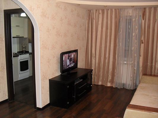 1-комнатная квартира посуточно в Донецке. пр-т Ленинский, 4. Фото 1