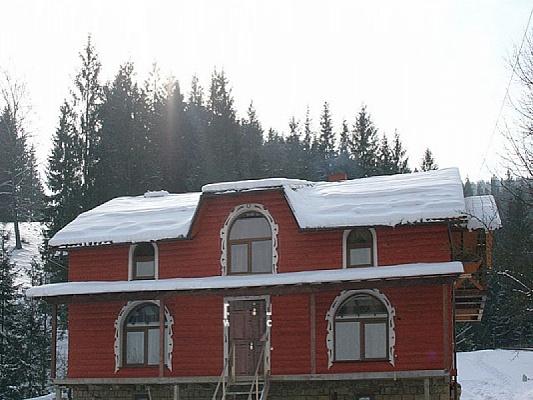 Дом  посуточно в Верховине. ул. Довбуша, 10. Фото 1