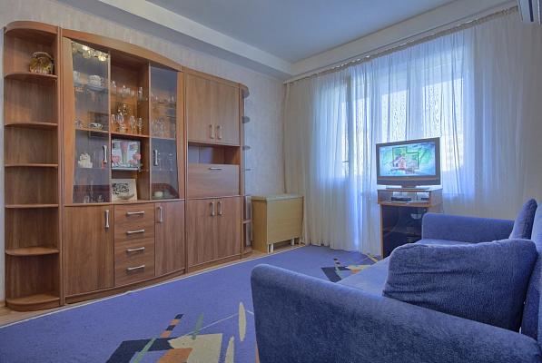 1-комнатная квартира посуточно в Киеве. Печерский район, б-р Дружбы Народов, 27. Фото 1
