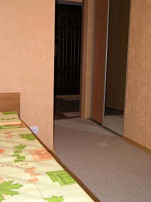 1-комнатная квартира посуточно в Кировограде. Кировский район, ул. Андреевская, 12. Фото 1