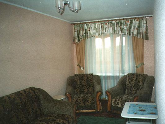 2-комнатная квартира посуточно в Херсоне. Суворовский район, ул. Молодежная, 10. Фото 1