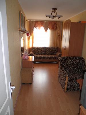 2-комнатная квартира посуточно в Алуште. ул. Ленина, 43. Фото 1