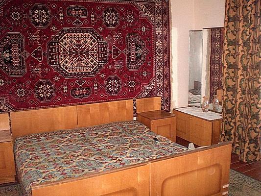 1-комнатная квартира посуточно в Чернигове. Деснянский район, ул. Мстиславская. Фото 1