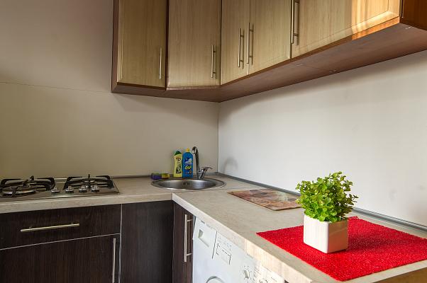1-комнатная квартира посуточно в Харькове. Дзержинский район, ул. 23 августа, 42. Фото 1