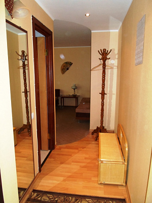 1-комнатная квартира посуточно в Симферополе. Киевский район, Тренева, 17. Фото 1