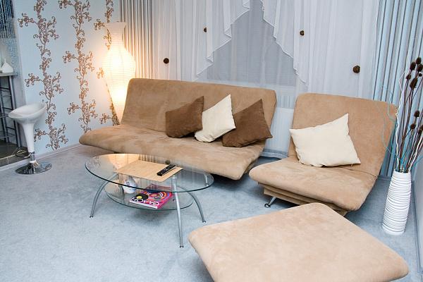 2-комнатная квартира посуточно в Хмельнике. ул. Монастырская (Кирова), 1. Фото 1