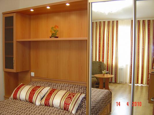 1-комнатная квартира посуточно в Симферополе. Киевский район, пр-т Победы, 52. Фото 1