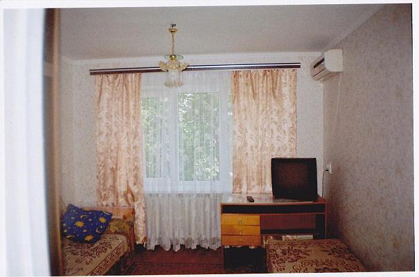 1-комнатная квартира посуточно в Евпатории. Фрунзе, 28. Фото 1