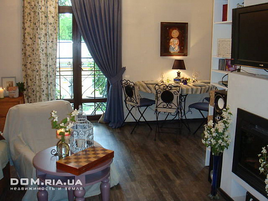 2-комнатная квартира посуточно в Бердянске. Бердянск, пр.ЛЕНИНА/ДЮМИНА, 59. Фото 1