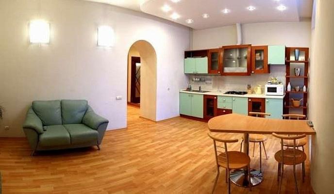 2-комнатная квартира посуточно в Севастополе. Ленинский район, Большая морская, 2. Фото 1