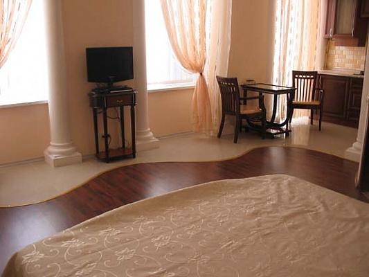 1-комнатная квартира посуточно в Одессе. Приморский район, пер. Вице-адмирала Жукова, 2. Фото 1