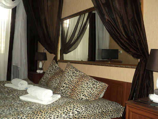 2-комнатная квартира посуточно в Белой Церкви. ул. Павличенка, 40. Фото 1