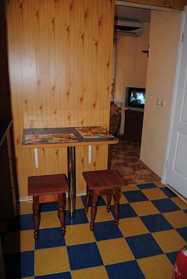 1-комнатная квартира посуточно в Мариуполе. Приморский район, пр-т Строителей, 23. Фото 1