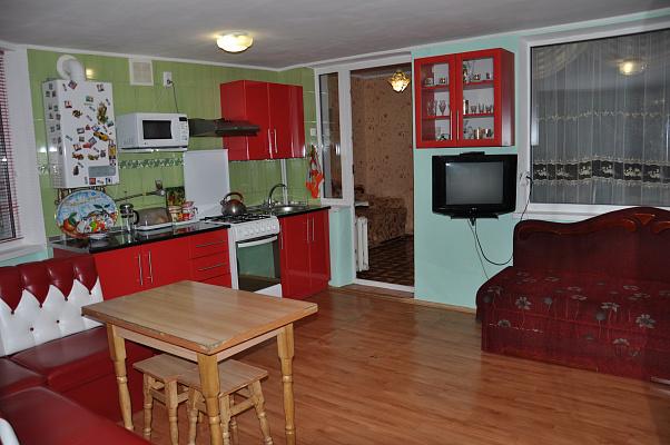 2-комнатная квартира посуточно в Партените. ул. Солнечная, 7. Фото 1