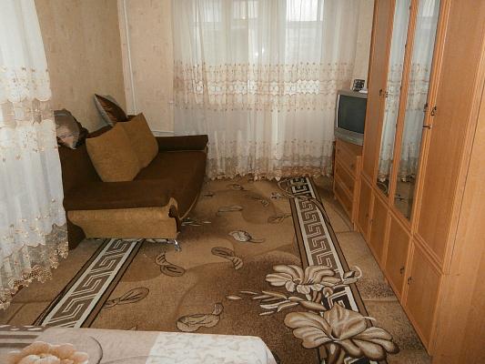 1-комнатная квартира посуточно в Миргороде. ул. Гоголя, 72. Фото 1
